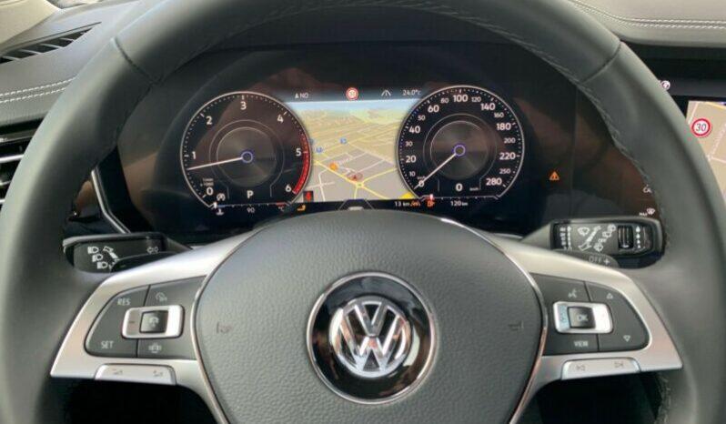 Autoturisme Volkswagen Touareg 2016 full