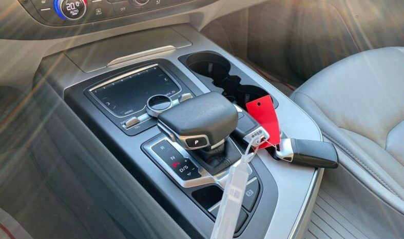 Autoturisme Audi Q7 2016 full