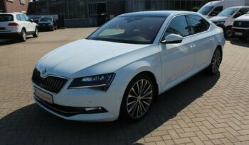 Autoturisme Skoda Superb 2016 full