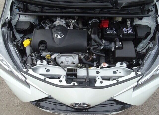 Autoturisme Toyota Yaris 2016 full