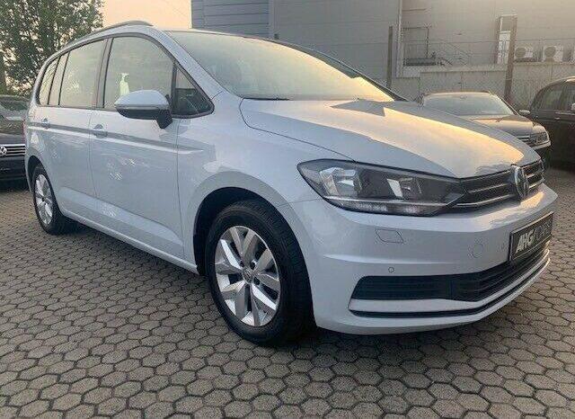 Autoturisme Volkswagen Touran 2018 full